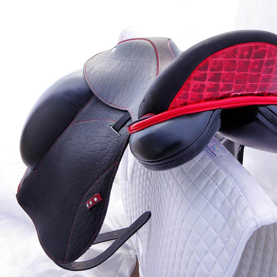 Icon hybrid red croc facing - Custom Saddlery, Dressage Saddles | Drakesaddlesavvy.com