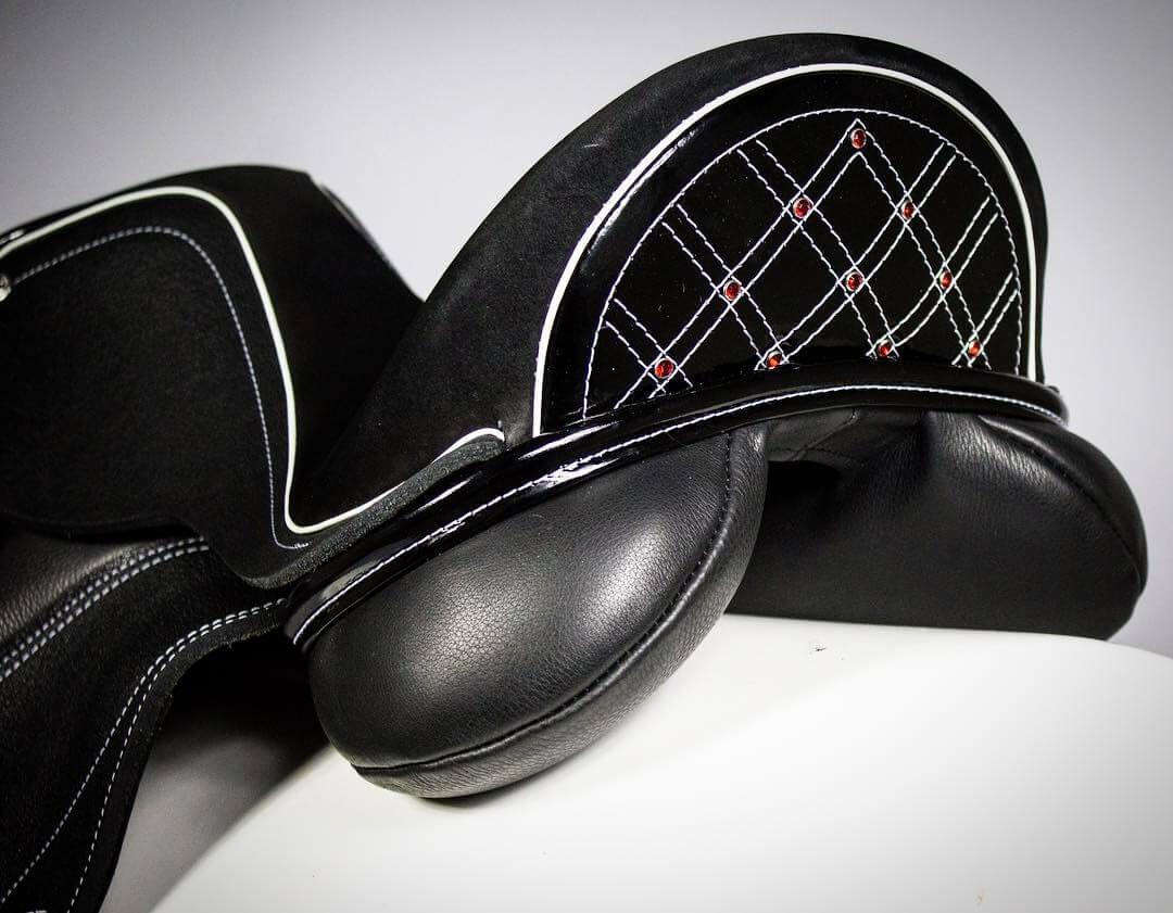 Black patent cantle white basketweave red crystals - Custom Saddlery, Dressage Saddles   Drakesaddlesavvy.com