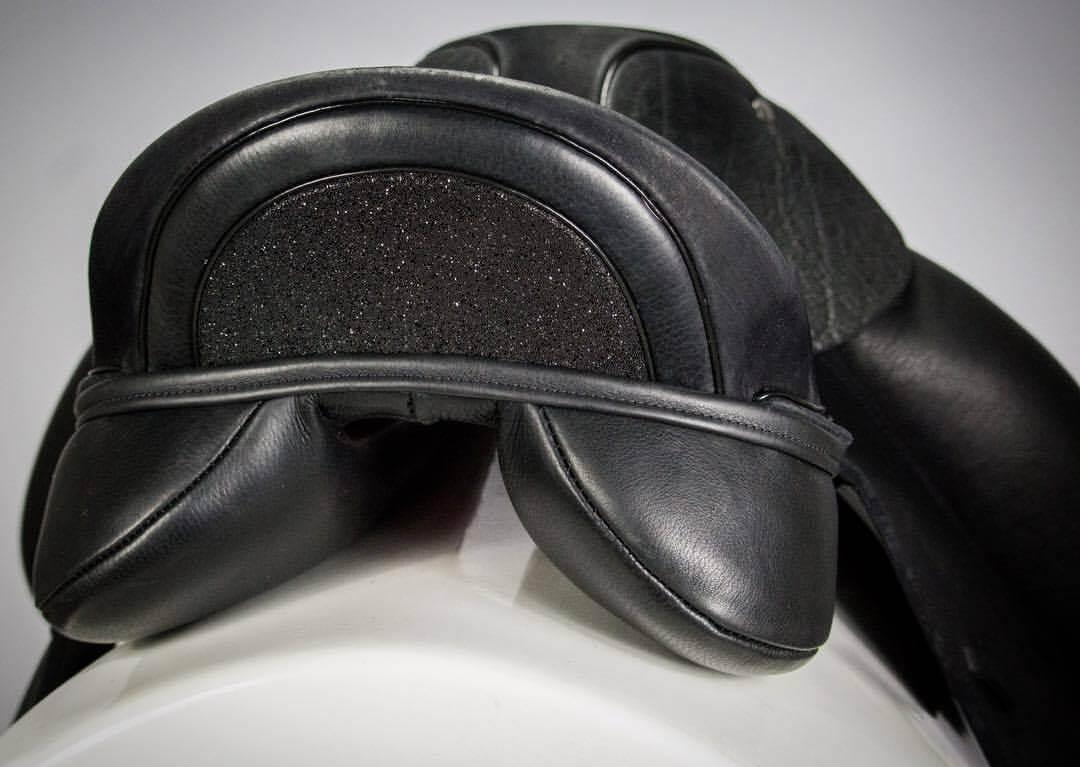 Black swarovski fabric cantle - Custom Saddlery, Dressage Saddles   Drakesaddlesavvy.com