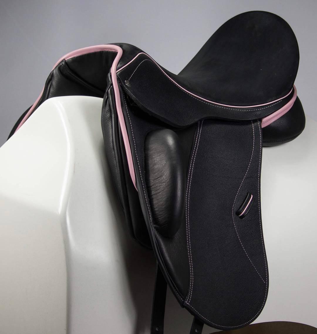 Everest R blk buff pink patent facing welt - Custom Saddlery, Dressage Saddles   Drakesaddlesavvy.com